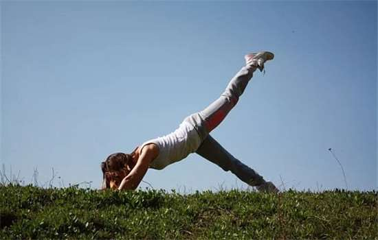 郑多燕减肥饼干有效吗 健身操什么时候做最好