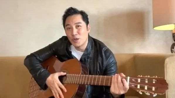 """好久不见!51岁前TVB艺人自弹自唱现身,称为新角色花尽20年""""积蓄""""_明星新闻"""