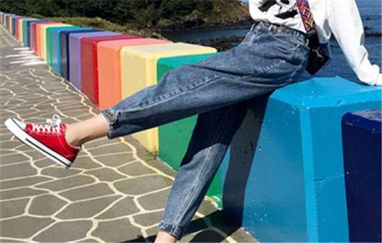 老爹裤和哈伦裤的区别 什么样的哈伦裤更显瘦