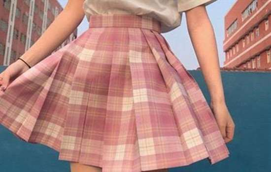 jk裙夹有齿的好还是没齿的好 jk裙炸褶是什么样子