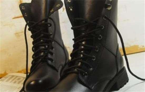 马丁靴系鞋带的方法 马丁靴有油渍怎么清洗