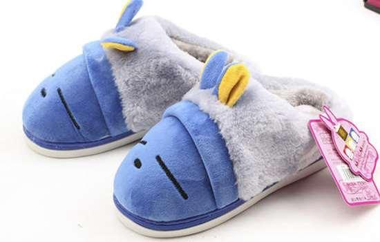 棉拖鞋要买大一点还是小一点好 棉拖鞋选购技巧