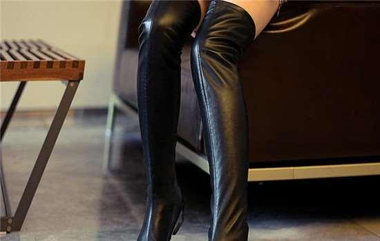 长筒靴配什么裤子