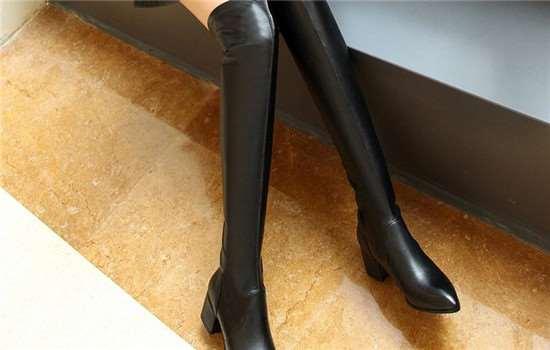 长筒靴可以搭配大衣吗