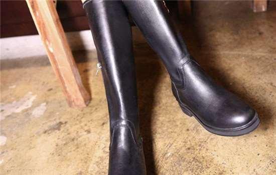 长筒靴脚踝处堆在一起怎么办