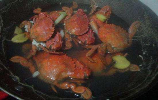 螃蟹煮了为什么会变红 关键在于虾青素