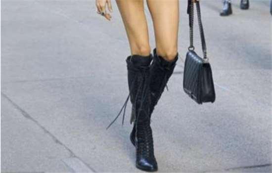 骑士靴怎么搭配衣服