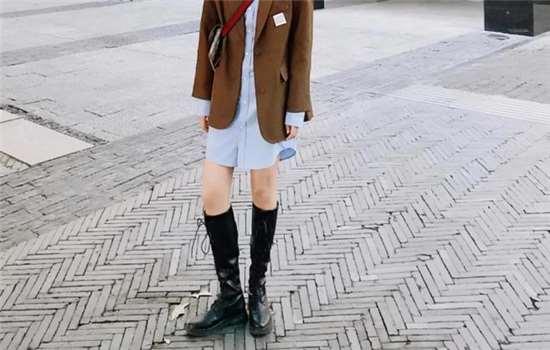 牛仔靴搭配什么裤子