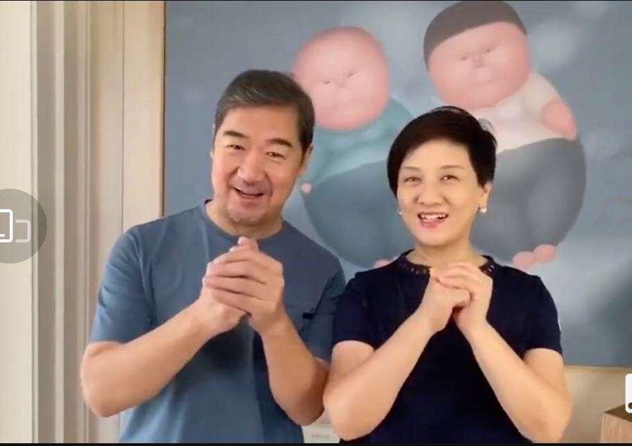 """不能生娃、61岁等来婚礼,邓婕嫁给张国立终究是""""亏""""了_明星新闻"""