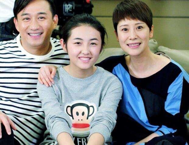 张子枫被曝和黄磊有不正当关系,公司发严正声明:恶意造谣_明星新闻
