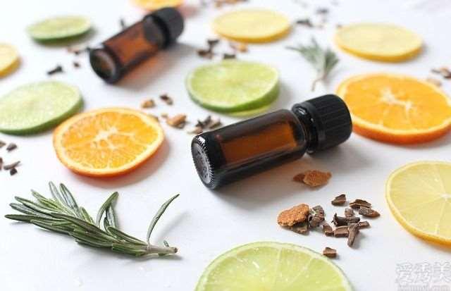 17种普遍精油的护肤美容功效