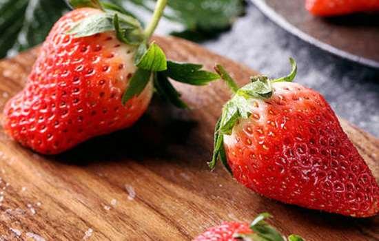 丹东99草莓和红颜草莓区别 来自日本扎根丹东的红颜草莓
