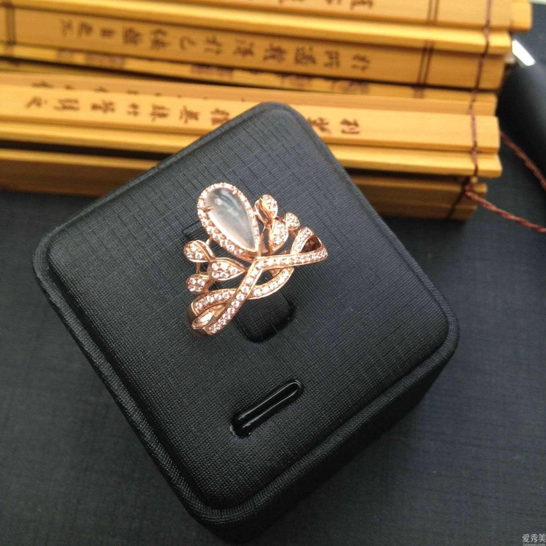 不一样类型的珠宝,他们的特性不一样,愿你寻找最合适你的那一款饰品