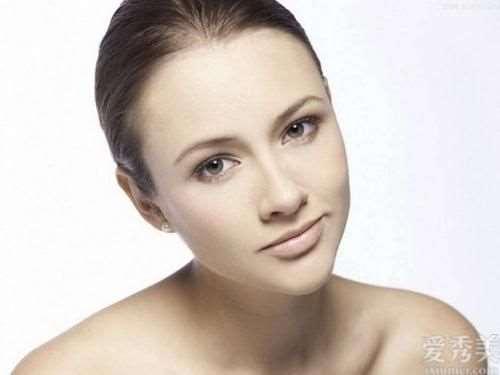 皮肤科医生提示:要想皮肤变好变光洁细致,4种习惯要常常做