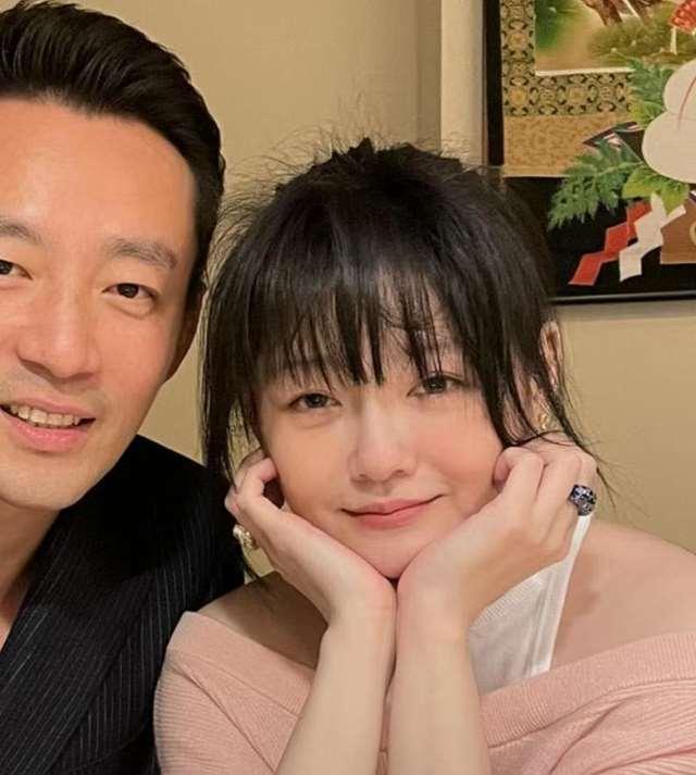 汪小菲称大S小女孩儿,庆祝结婚10周年:嫁给爱情的女人,真幸福_明星新闻