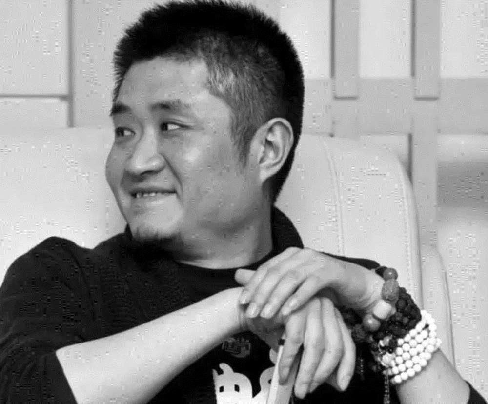 郭德纲和曹云金同时间发文,一个唱京剧一个卖萌,就是没人说相声_明星新闻