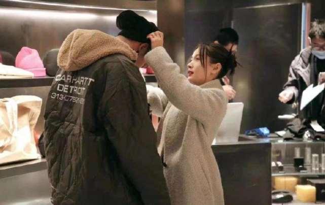王子文官宣新恋情!和吴永恩深情亲吻同意做他女朋友,并改情侣名_明星新闻