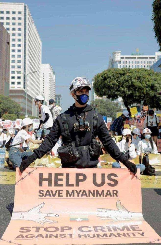 禁止抗议!缅甸最帅和尚被逮捕,军方通缉120个明星网红_明星新闻