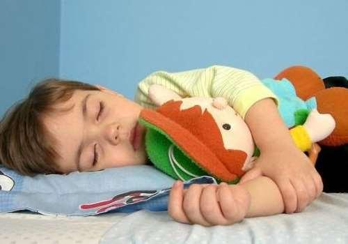 孩子分床睡害怕怎么办 孩子分床睡的最佳年龄是几岁