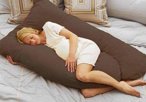 孕妇睡觉为什么需要孕妇枕 U型枕和E型枕哪个更好