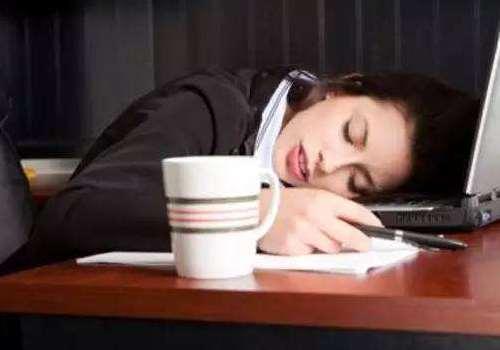 女人晚睡该怎么保养皮肤 睡觉前可以洁面吗