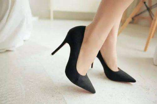 孕妇穿高跟鞋对胎儿有影响吗 孕妇穿高跟鞋会怎么样