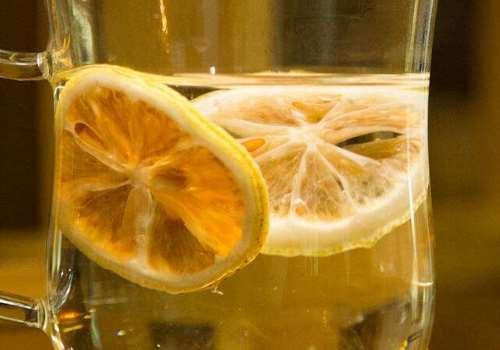 冻干柠檬片泡水能提高免疫力吗 冻干柠檬片泡水的禁忌