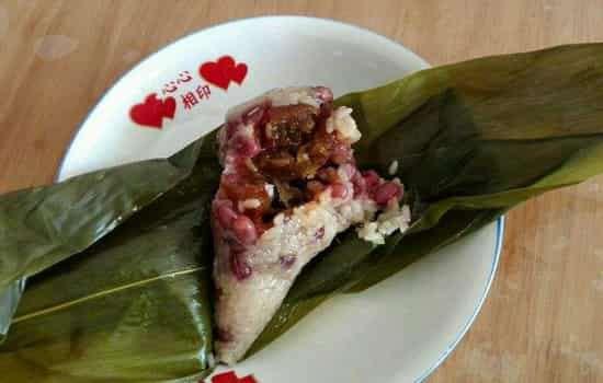 包粽子用糯米还是江米 包粽子的米为什么要泡