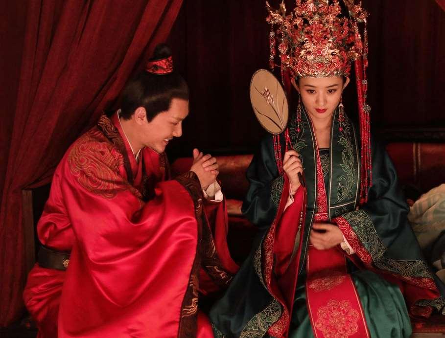 与赵丽颖离婚不到两周,网曝冯绍峰参加相亲,父母要求只找圈外人_明星新闻