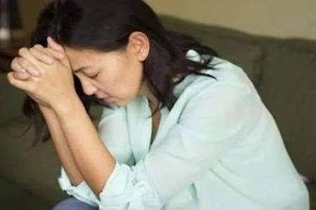 掉头发月经不调,40岁女人试试这两种方法调整