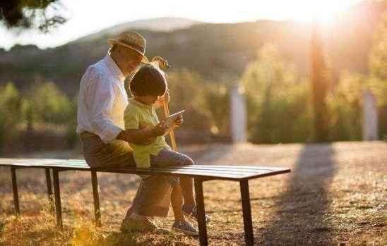 老人带孩子的弊端 这6个弊端值得注意