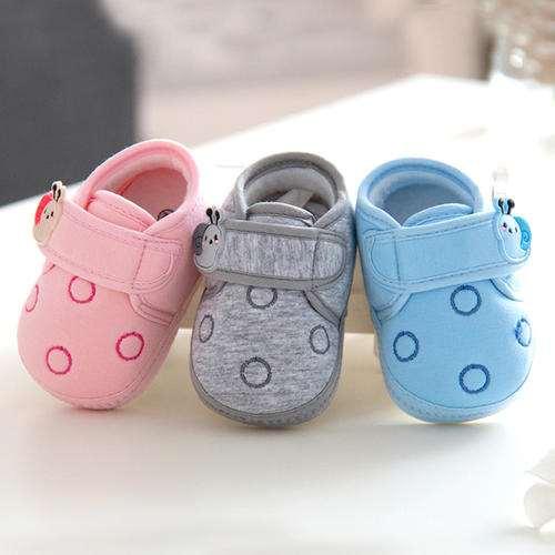 宝宝学步鞋怎么选 宝宝学步鞋软底好还是硬底好