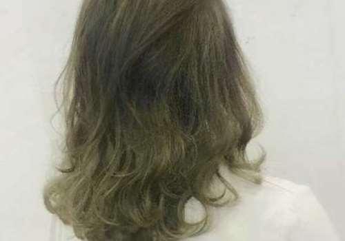 青灰色是什么颜色 青灰色头发掉色后是什么颜色