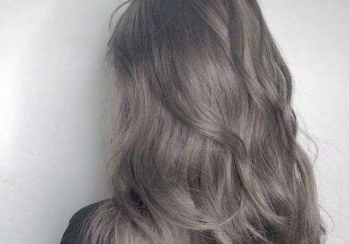 奶茶灰色头发是什么颜色 需要漂吗