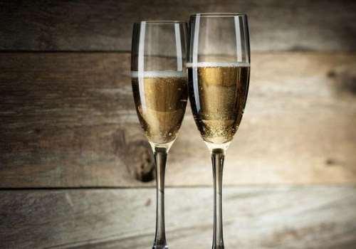 香槟是葡萄酒吗 香槟对身体有哪些好处