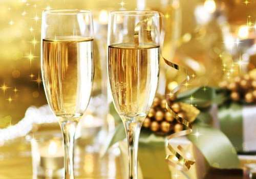 香槟是什么做成的 香槟好喝吗什么味道