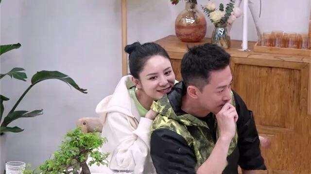 张馨月一直诉苦,林峯拿前任说事,TVB男神上综艺败掉童年滤镜_明星新闻