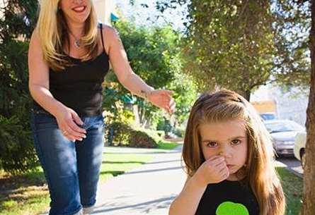 孩子老抠鼻子怎么办 怎样才能不让孩子抠鼻子