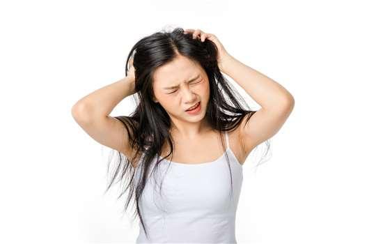 不烫发如何让头发变蓬松 从洗头开始