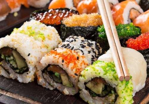 寿司里面脆脆的是什么 寿司用什么米好吃