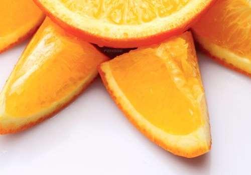 金桔可以和橙子一起吃吗 金桔和橙子吃多了会怎样