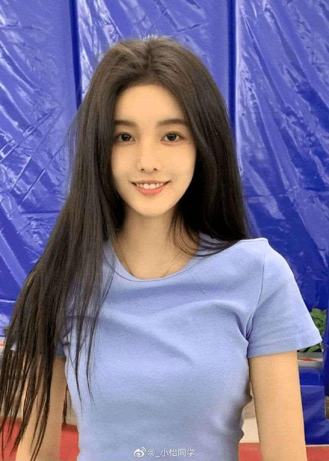 吴亦凡谈的不是恋爱,而是中国女团的未来_明星新闻