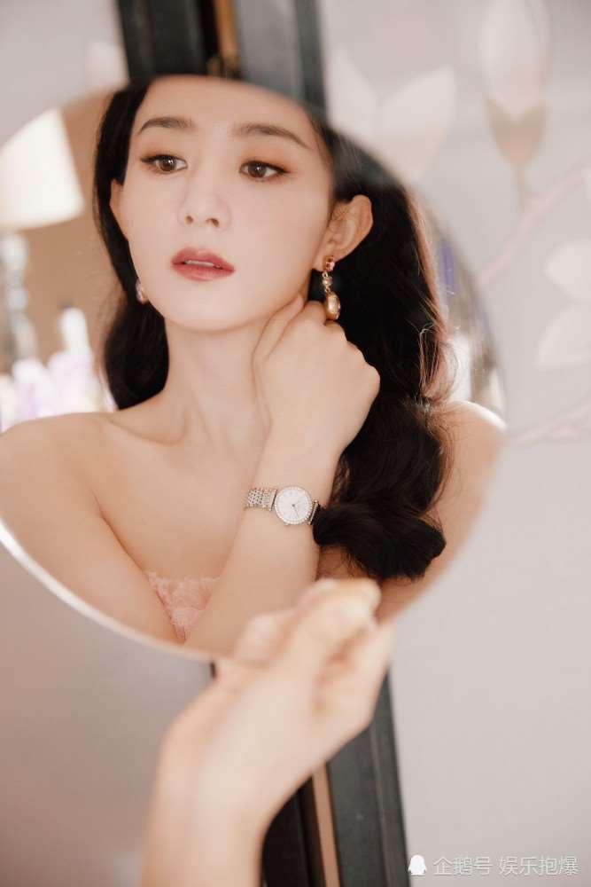 赵丽颖身穿粉色纱裙似公主,却被指戴假发片,还撞衫宋茜_明星新闻