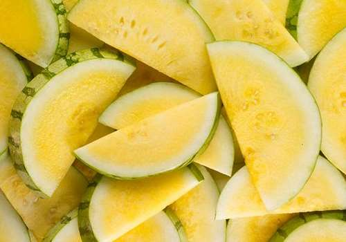 西瓜里面是黄的叫什么 黄心西瓜是转基因的吗