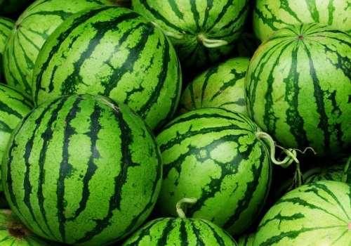 西瓜怎么看熟没熟 西瓜怎么看甜不甜