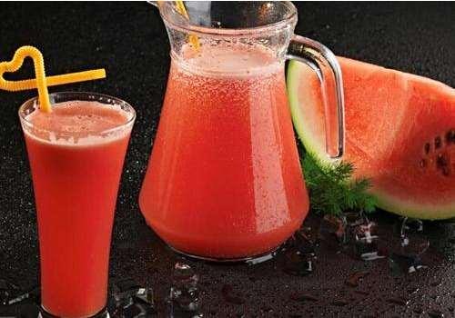 西瓜汁一天最多喝几杯 西瓜汁是酸性还是碱性