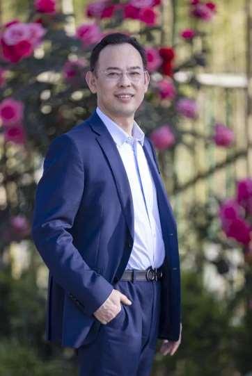 """西安国际医学中心整形医院王爱武主任:""""救死扶伤和美容,本质都是让人幸福"""""""