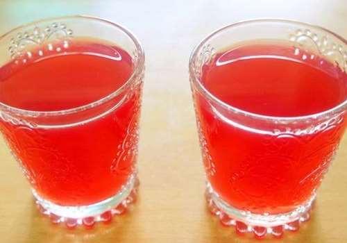 杨梅汁可以加蜂蜜吗 杨梅汁弄到白衣服上怎么洗