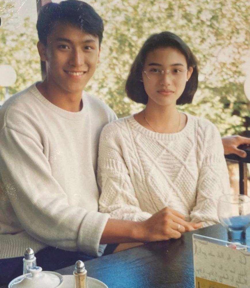 青梅竹马!53岁TVB不老男神庆祝结婚28周年,与太太12岁就认识_明星新闻