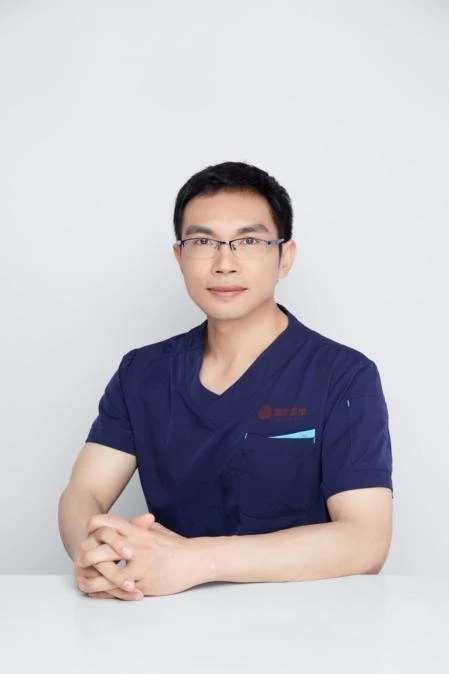 年轻化整形专家潘华博士入职西安国际医学中心整形医院